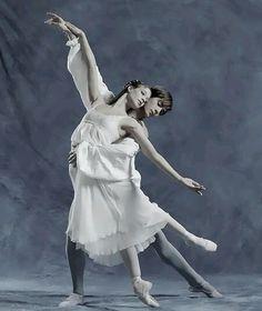 "Alicia Amatriain and Friedemann Vogel (The Stuttgart Ballet) in ""Romeo and Juliet"""