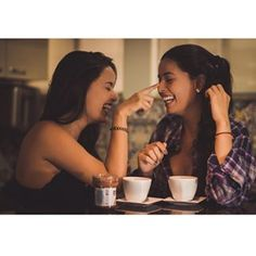 Cumplicidade   @marinaaubasi @monicaaubasi  #boudoir #beautifulgirl #beauty #belarecatadaedolar #bomdia #divas #irmaslindas #goiania #ensaiosensual #ensaioboudoir #instagood #instalike #mulheresreais #portrait #retrato #ensaiofotografico #sensual #sexy #twins #nutella