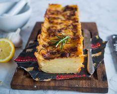 Sveitsiläinen keittiö perustuu Sveitsin kantonien omaleimaisiin ruokakulttuureihin. Niihin ovat vaikuttaneet paitsi alppiolosuhteiden niukkuus, myös naapurimaiden ruokakulttuurit. Erityisesti Sveitsi tunnetaan maailmankuuluista juustoistaan, kuten voimakkaanmakuisesta Appenzeller-juustosta.