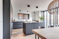 Lifs interieuradvies & styling www.nl - Lilly is Love Kitchen Time, New Kitchen, Kitchen Dining, Kitchen Decor, Kitchen Layout Interior, Kitchen Wood Design, Vintage Regal, Home Design, Kitchen Designs Photos