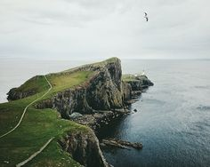 neist point lighthouse / joshua chambers