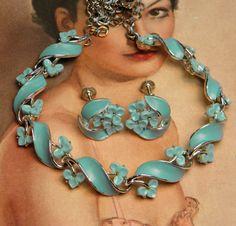 Vintage Lisner Necklace Earrings Set