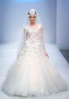 Zhang Jingjing Haute Couture 2014 Collection - Munaluchi Bridal Magazine