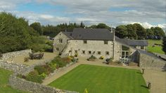 Upper Moor Farm Cattages (Farmhouse and Annexe), (Sleeps 20) £tbc (£2695ish 3 nights - might be less - hard to tell) Avail 5-7, 12-14 May http://www.uppermoorfarmcottages.co.uk/ Derbyshire, Peak District, Holiday Accommodation, Farmhouse, Luxury Holidays, Countryside, Cottage, Mansions, House Styles