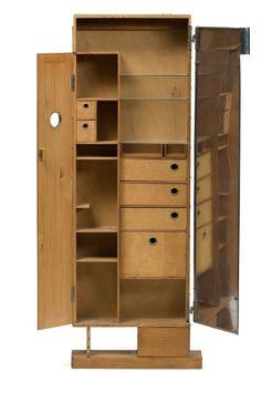 Eileen Gray, Coiffeuse, 1926. Oregon Pine, plywood, cork, aluminum, glass, traces of blue turquoise paint. France. © Les Arts Décoratifs.