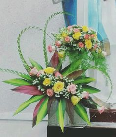 Selecting The Flower Arrangement For Church Weddings – Bridezilla Flowers Contemporary Flower Arrangements, Large Flower Arrangements, Funeral Flower Arrangements, Flower Centerpieces, Altar Flowers, Church Flowers, Funeral Flowers, Flowers Garden, Modern Floral Design