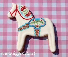 Dalarna Horse by PiaMarianne, via Flickr