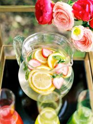 Get inspiration for the most colorful brunch ever, perfect for bridal showers, baby showers, birthdays and beyond!