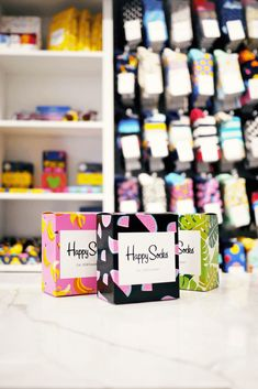 Even the packaging is adorable! Come shop Happy Socks with me at My Favorite Things. Types Of Packaging, Custom Packaging, Box Packaging, Ad Fashion, Fashion Mask, Great Father's Day Gifts, Sock Shop, Funny Socks, Happy Socks