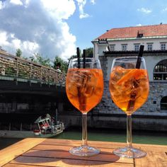 Slovinsko - Lublaň Vol.1 - Chile Chipotle Wanderland, Chipotle, Alcoholic Drinks, Wine, Glass, Blog, Liquor Drinks, Drinkware, Alcoholic Beverages