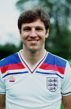 circa 1982 Alvin Martin England and who won 17 England caps from 19811987 England Kit, England Football Players, England Players, International Football, England International, England National Team, West Ham United Fc, England