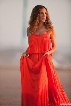 Turuncu renkli elbise