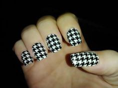 4 colors of houndstooth design available!    Jamberry :D