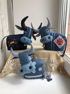 Animal Sewing Patterns, Quilt Patterns Free, Stuffed Animal Patterns, Jean Crafts, Denim Crafts, Sewing Toys, Sewing Crafts, Handmade Design, Handmade Toys