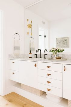 Inspired by: The California Casual Home of an Emily Henderson Design Assistant White Bathroom, Modern Bathroom, Small Bathroom, Vanity Bathroom, Bathroom Drawers, Bathroom Cabinets, Ikea Cabinets, Bathroom Closet, Master Bathrooms