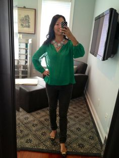 green dotted top, dark grey skinny jeans, statement necklace | Valley of the Shoes
