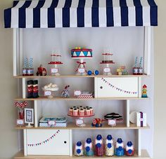 Navy and White Circus theme table