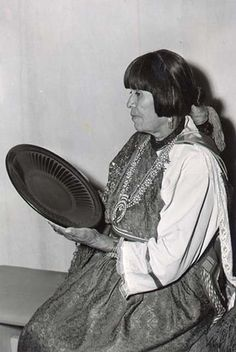 New Mexico Office of the State Historian : Martinez, Maria with a blackware plate, a technique that begins with burnishing. American Art, Artist Inspiration, Native American Pottery, Land Of Enchantment, American Indian Pottery, Artist, Pottery Art, Ancient Cultures