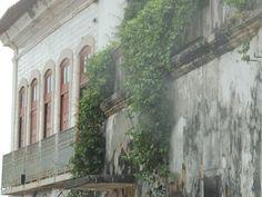 Centro Histórico de São Luis, Maranhão. uma carência de cuidados por parte dos órgãos de preservação e governo.