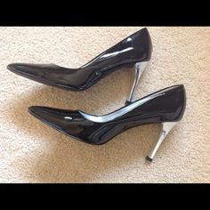 ⬇️Price Drop⬇️ Ann Taylor black patent pumps Dressy pumps with a mirrored heel by Ann Taylor Ann Taylor Shoes Heels