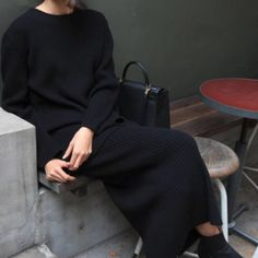 keep it simple, warm and cozy. Cute Dress Outfits, Cute Dresses, Cool Outfits, Fashion Gone Rouge, Fashion Tips For Girls, Keep It Simple, Jeans Style, Simple Style, Warm And Cozy