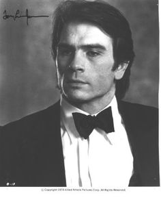 A young Tommy Lee Jones Tommy Lee Jones Young, Young Celebrities, Celebs, Robert Duvall, Beautiful Men Faces, Hollywood, Iconic Movies, Male Face, Attractive Men