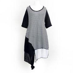 SEELENLOOK #NEWS   Neu im Onlineshop: Streifen-Strickkleid von D-Celli Schwarz-Weiß Gr. 40-42. Kostenloser Versand in Deutschland!   Direktlink zu Neuheiten:  https://seelenlook.de/damenmode-neuheiten   #Lagenlook #Plussize #Fashion #Mode #Style