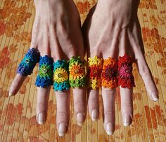 Set Of 7 Rainbow Crochet Mandala Bridesmaid Rings With Gold Holographic Sequin Crochet Ring Patterns, Crochet Rings, Form Crochet, Crochet Bracelet, Knit Crochet, Bridesmaid Rings, Rainbow Crochet, Wie Macht Man, How To Start Knitting