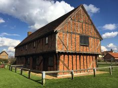 "This is Moot Hall or ""The Green House"" a 15th century #Tudor building based in the village of Elstow in #Bedfordshire  Its pretty to look at as is the rest of the village- such brilliant architecture. It has cultural significance too- linked to John Bunyan of Pilgrim's Progress fame."