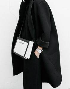 all black ootd outfit street style inspo fashion blogger minimal modern legacy Instagram Balenciaga bag loafer (2 of 11)