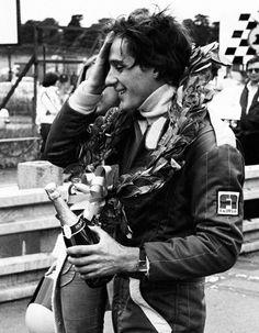 It's Senna It's Love — 365 days of ayrton senna: day 61 Aryton Senna, Black And White Photo Wall, F1 Racing, Drag Racing, Black And White Aesthetic, F1 Drivers, Lamborghini Gallardo, Retro Aesthetic, Grand Prix