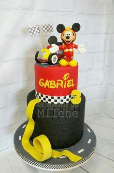 Mickey Mouse race cake - cake by Milene Habib