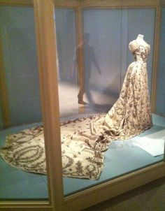 Edwardian Opulence: 'The Gown' by Angus Trumble | Yale Books Blog: Yale University Press London