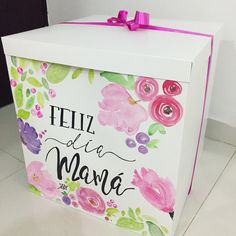 Valentine Day Gifts, Valentines, Surprise Box, Mom Day, Mothers Day Crafts, Mom Birthday, Cute Diys, Lets Celebrate, Gift Bags