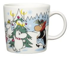 Muumimuki, -kulho ja minimukit, talvi 2013 / Moomin winter mug, bowl and minimugs 2013 Nordic Christmas, Christmas Mugs, Christmas Stuff, Christmas Trees, Moomin Mugs, Tove Jansson, China Dinnerware, Scandinavian Design, Finland