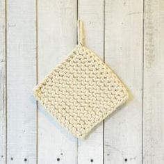 centro (canada) - crochet trivet