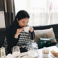 """""""Keep warm and carry on. Heart Evangelista Style, Parisian Chic Style, Classy Style, Casual Chic Style, Star Fashion, Fashion Outfits, Pakistani Bridal Wear, Pakistani Dresses, Celebrity Style Casual"""