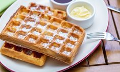 Wholesome wheat flavor combined with crunchy pecans makes a delicious breakfast, brunch or snack. Top with warm fruit compote or syrup. Whole Wheat Waffles, Just Cakes, Köstliche Desserts, Vegan Foods, Unique Recipes, Food To Make, Cake Recipes, Breakfast Recipes, Sweet Tooth