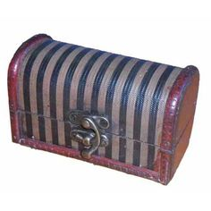 We love this decorative mini trunk