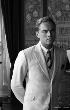 Leonardo Dicaprio as Jay Gatsby in Baz Luhrmann's The Great Gatsby. Jay Gatsby, O Grande Gatsby, Gatsby Style, Gatsby Movie, Gatsby Party, Gatsby Wedding, Wedding Suits, Wedding Attire, Wedding Reception