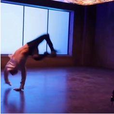 [all credits to the owner]Give my man more recognition 😍😫❤️ Jung Hoseok, J Hope Gif, Bts J Hope, Bts Bangtan Boy, Bts Jimin, J Hope Dance, Kpop Gifs, Bts Dancing, Bias Kpop