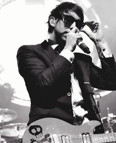 Alex Gaskarth in a SUIT! THIS IS NOT OK, WHERE WAS I?
