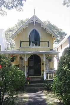 Gothic Revival cottage with board and batten, balcony  and Carpenter Gothic ornamentation, Oak Bluffs (MA)