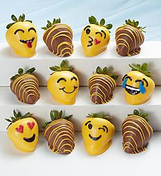 Chocolate covered strawberries make the sweetest gifts. Order chocolate covered strawberries delivered in a box or in a fruit arrangement they'll love! Coconut Hot Chocolate, Homemade Chocolate, Melting Chocolate, Chocolate Recipes, Chocolate Chocolate, Strawberry Dip, Strawberry Recipes, Strawberry Shortcake, Kreative Snacks