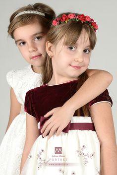 Fotografie de familie Girls Dresses, Flower Girl Dresses, Crown, Studio, Wedding Dresses, Artist, Flowers, Fashion, Dresses Of Girls