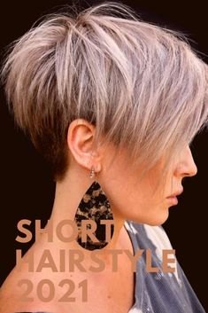 Short Shag Hairstyles, Short Haircut Styles, Short Hair Styles For Round Faces, Haircuts For Fine Hair, Short Hair With Layers, Short Grey Hair, Short Hair Cuts, Short Hair Designs, Gray Hair Highlights