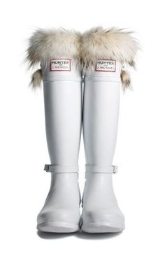 What you need is fur lined wellies - Hunter Boots Fashion Mode, Look Fashion, Fashion Shoes, Hunter Wellies, Estilo Lolita, Over Boots, White Boots, Woman Clothing, Shoes