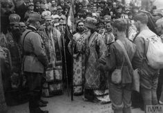 WWI, 1916; Romanian clergy bless officers heading to the front. ©IWM