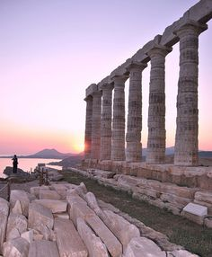 Temple of Poseidon at Cape Sounion, Greece Doesn't look like it from this picture BUT this is the most beautiful place in all of Greece to me! Places Around The World, Oh The Places You'll Go, Places To Travel, Places To Visit, Around The Worlds, Travel Destinations, Ancient Ruins, Ancient Greece, Beautiful World