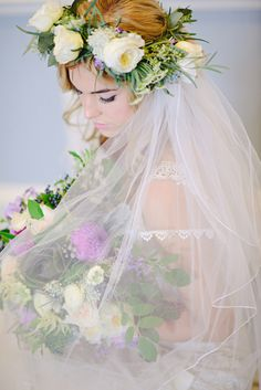 Veil and flower crown / Kristen Weaver Photography